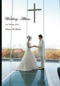 お天気の良さも味方して贅沢なロケーションで行われたロマンチックな結婚式です。