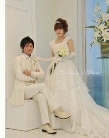 沖縄ルネッサンスリゾート・リベーラ教会でご家族に見守られての結婚式です。