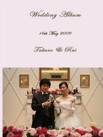 ピンクいっぱいの会場装花の中でかわいいベアープルズ、素敵な会場での素敵な結婚式です。