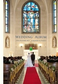 圧倒的な大空間を誇る本物の教会での挙式は見応えがあります。