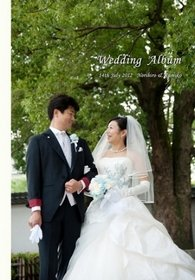 【挙式・披露宴】 日本庭園で洋装の挙式、色打掛でケーキカット、和洋折衷の趣のある結婚式です。