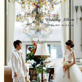 ハワイでのロケーション、挙式、パーティー、和装の前撮り、国内のパーティーといった流れになっています。結婚式アルバム。