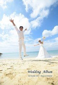 沖縄の明るいチャペルでお子さんと一緒の親族のみのアットホームな結婚式です。結婚式アルバム。