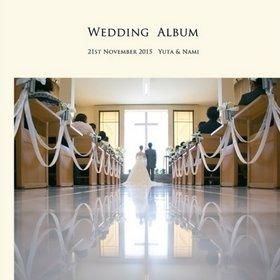 挙式会場は、正面の大きな窓があり、明るい式場で光に包まれたかのな結婚式です。結婚式アルバム。