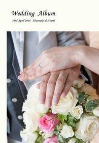 ネットで探していたらデザイン例や口コミがとても良く、何度でも修正が可能な点も良いと思いました。結婚式アルバム。
