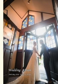 表紙の写真は、はじまりを感じさせる一枚。結婚式アルバム。