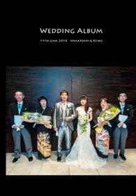 チャペルに白無垢で入場する新鮮な挙式スタイル。結婚式アルバム。