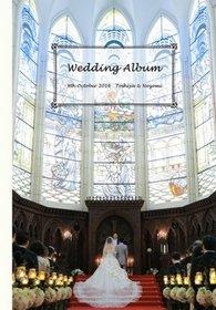同窓会のように楽しく温かい雰囲気を作れるよう大事にしていたので結婚式アルバムにもそれを反映してほしいとのご要望をいただきました。結婚式アルバム。