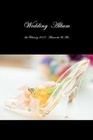 スタジオでのフォトウエディング、新婦は三種類のドレスを着用されました。結婚式アルバム。